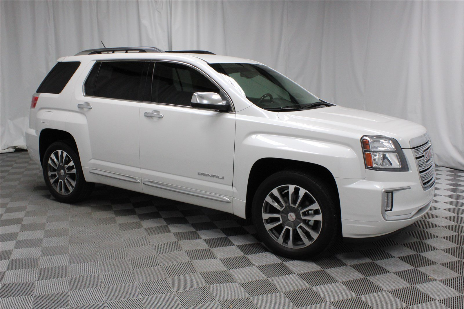 Gmc Terrain Denali >> Pre Owned 2016 Gmc Terrain Denali Suv In Wichita U570704 Super