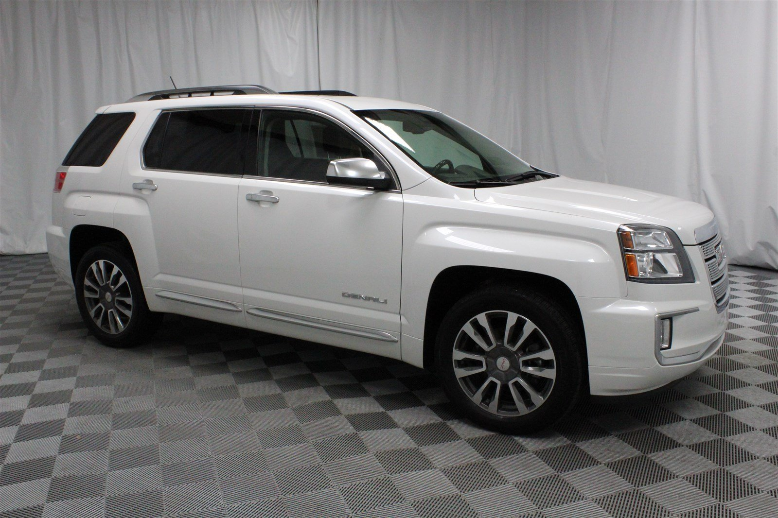 Pre Owned 2017 Gmc Terrain Denali All Wheel Drive