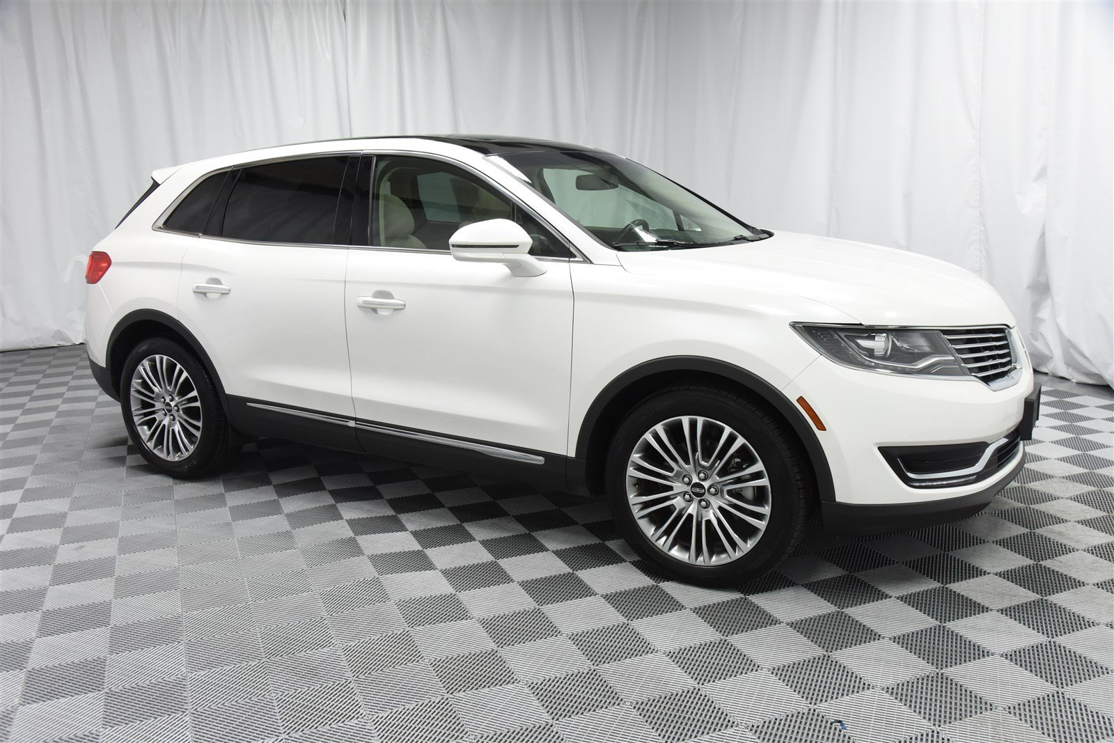 Pre Owned 2017 Lincoln Mkx Reserve