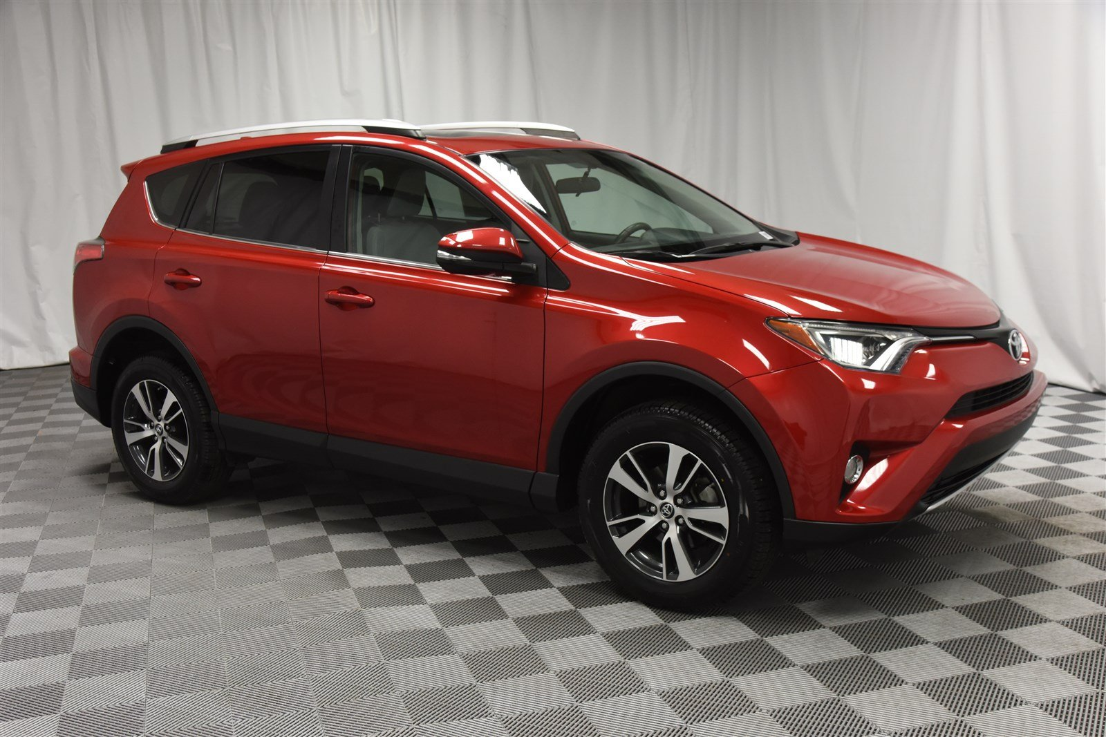 Pre Owned 2016 Toyota Rav4 Xle All Wheel Drive Suv In Wichita