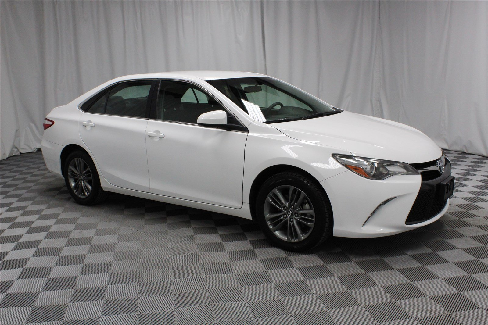 Pre Owned 2017 Toyota Camry Se Sedan In Wichita E570171 Super Car Guys