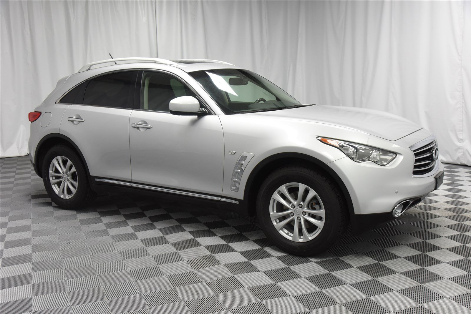 Pre Owned 2016 Infiniti Qx70